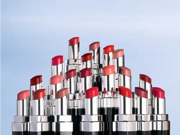 Фото №1 - 3 красивых видеоролика с идеями весеннего макияжа: показывает Марина Васильева