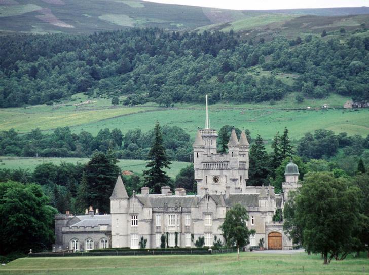 Фото №2 - Как отдых в Шотландии меняет пищевые привычки Елизаветы II