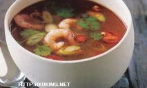 Остро-кислый суп с креветками том ям