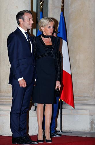 Фото №13 - Как Брижит Макрон сняла табу на мини-юбки и стала новой иконой стиля Франции