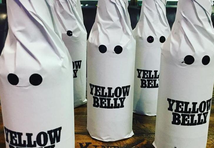 Фото №1 - В США из-за обвинения в расизме перестали продавать пиво, высмеивающее расизм