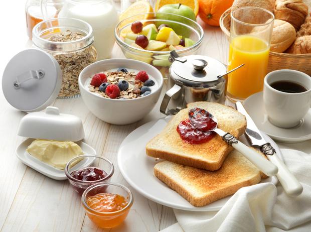 Фото №2 - Первое, второе и компот: почему лучше отказаться от комплексных обедов