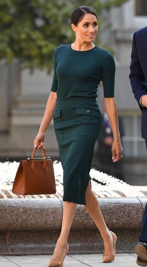 Фото №21 - Герцогиня Меган тратит на наряды больше герцогини Кейт