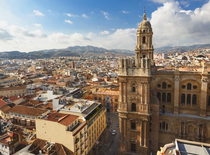 Фото №2 - Малага и Гибралтар: один день, две страны