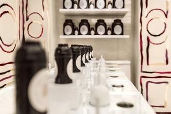Институт красоты Guerlain на Елисейских Полях