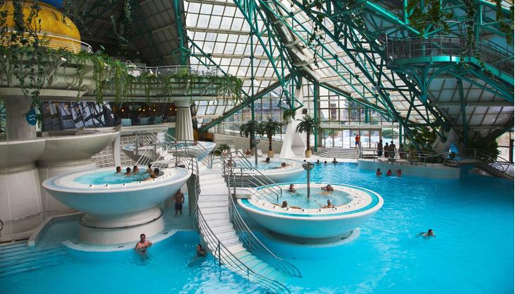 Фото №7 - 6 лучших купален Европы