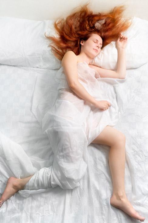 Фото №1 - Зачем человек во сне переворачивается с боку на бок?