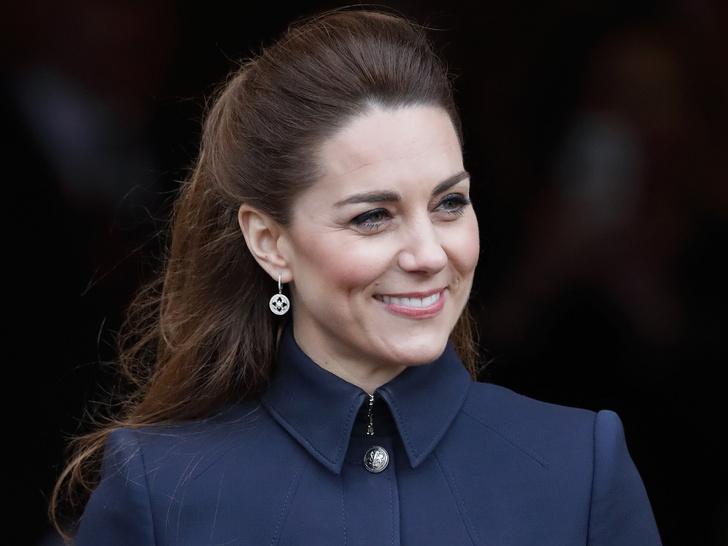 Фото №2 - Простой секрет здоровой и сияющей кожи герцогини Кейт