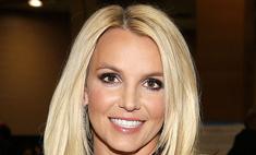 Поклонники подозревают, что Бритни Спирс держат в заложниках, а ее отпуск на Гавайях  фейк
