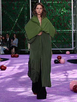 Фото №51 - Неделя Высокой моды в Париже: Dior Couture AW2015/16