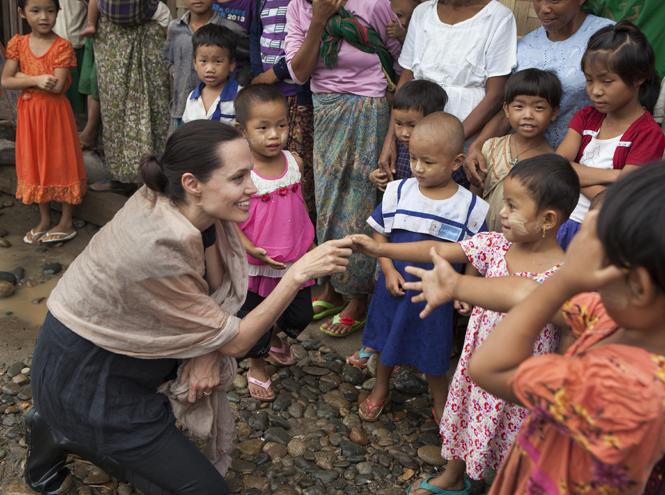 Фото №7 - Красота спасет мир: три звезды, посвятивших себя благотворительности