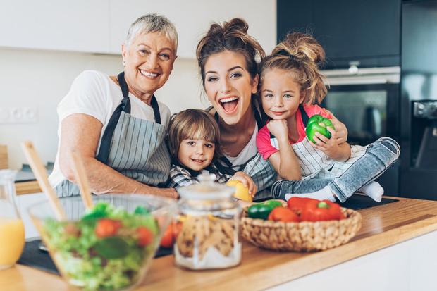 Фото №3 - Праздник непослушания: как бабушки вредят внукам