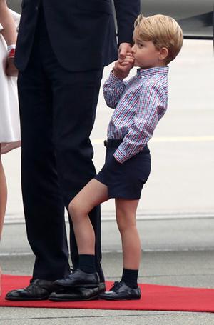 Фото №11 - Принцесса Шарлотта и принц Джордж: первые фото из Польши