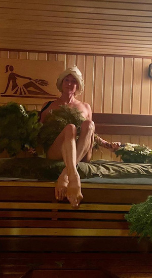 Фото №4 - Наташа Королева станцевала в одном полотенце