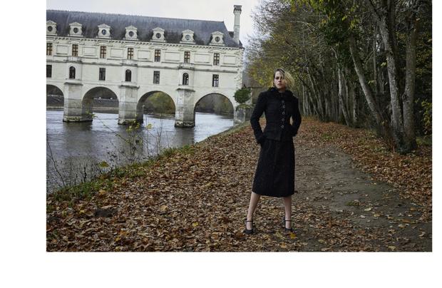 Фото №3 - Королева лесов: Кристен Стюарт в магической кампании Chanel Métiers d'art 2020/21