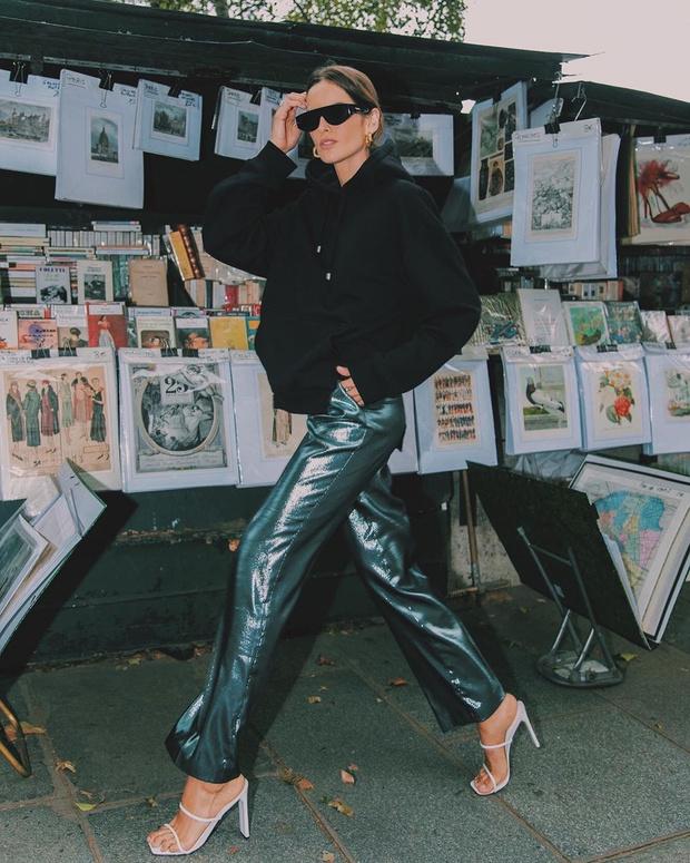 Фото №1 - Объемная толстовка + сверкающие брюки: эффектный образ Изабель Гулар
