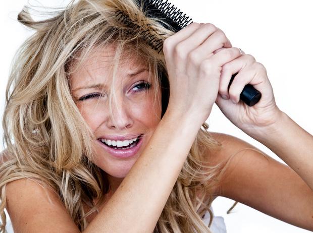 Фото №1 - 7 вредных привычек, которые портят ваши волосы