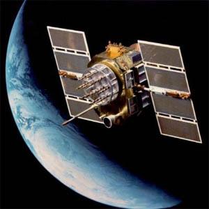 Фото №1 - Земля придает спутникам ускорение