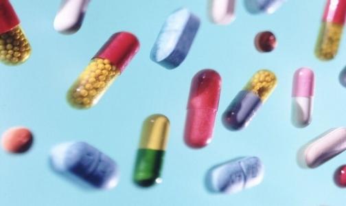 Фото №1 - Как подорожали за год лекарства от гриппа и простуды в аптеках Петербурга