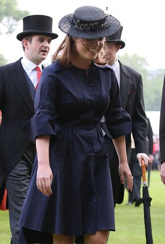 Фото №4 - Принцесса Евгения публично призналась в любви жениху
