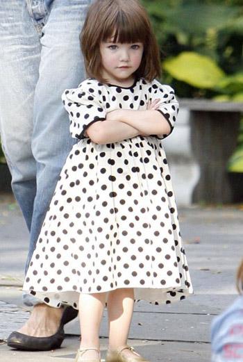 Сури, дочь Тома Круза и Кэти Холмс.