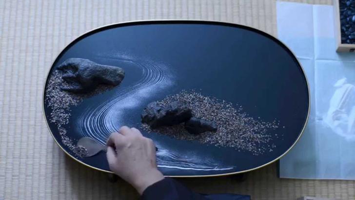 Фото №4 - Миниатюрные ландшафты и плетение узелков: необычные направления искусства Японии