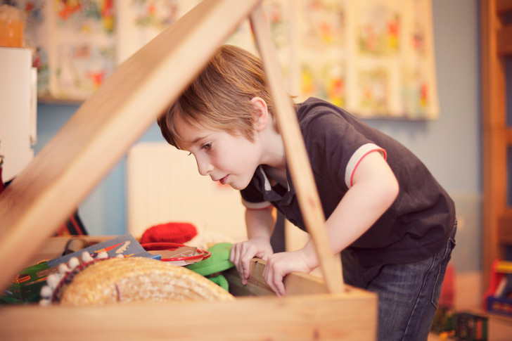 детские игрушки, ребенок не ценит игрушки, ребенок отдает игрушки, как научить ребенка ценить игрушки