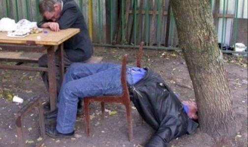 Фото №1 - Врачи составили портрет российского алкоголика