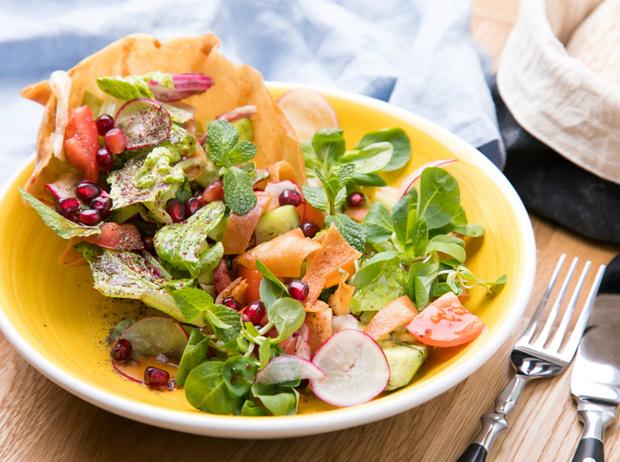Фото №4 - Фалафель, фатуш и кебаб: три блюда для кошерного обеда