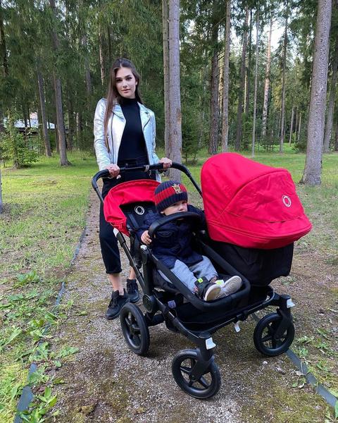 Овечкин и Шубская впервые показали семимесячного сынишку