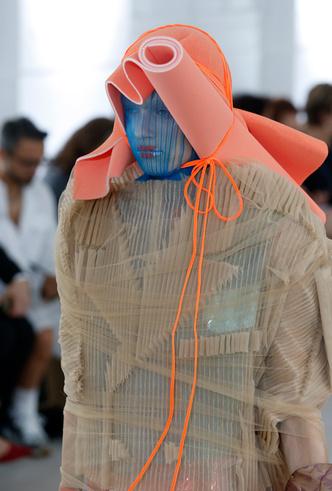 Фото №7 - Новое модное кредо Джона Гальяно