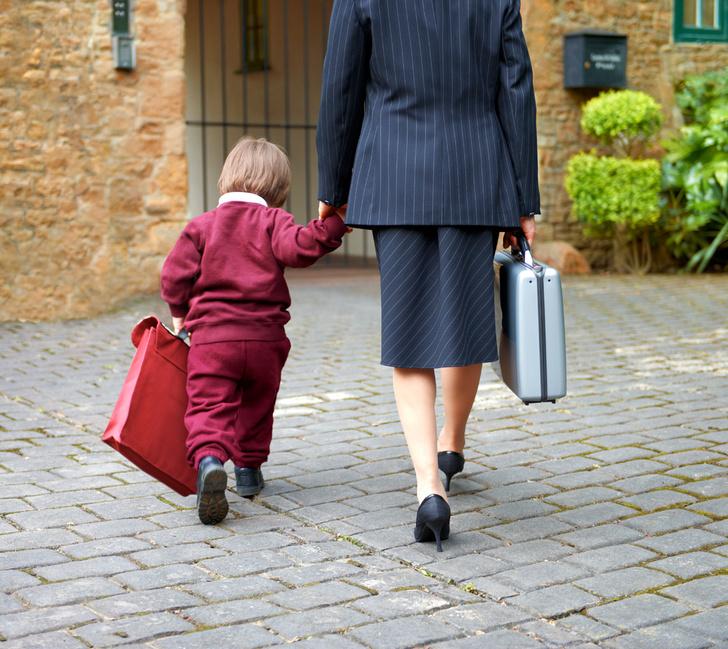 Фото №1 - В каком возрасте идти в первый класс: опыт мам и мнение психолога