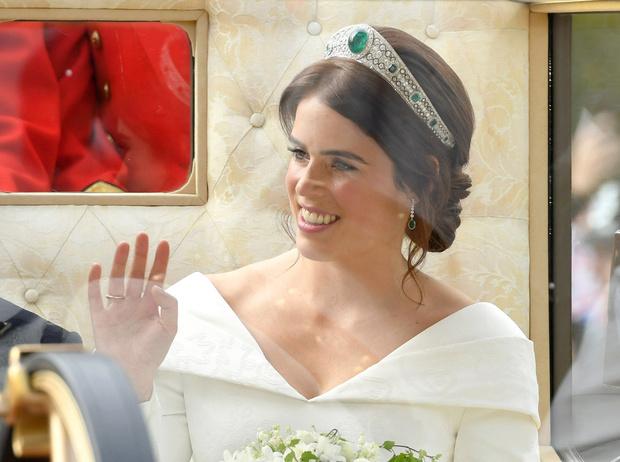 Фото №13 - Настоящая принцесса: свадебный образ Евгении Йоркской