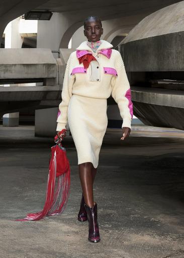 Фото №1 - Завораживающий образ парижанки будущего: в коллекции Isabel Marant осень/зима 2021-2022