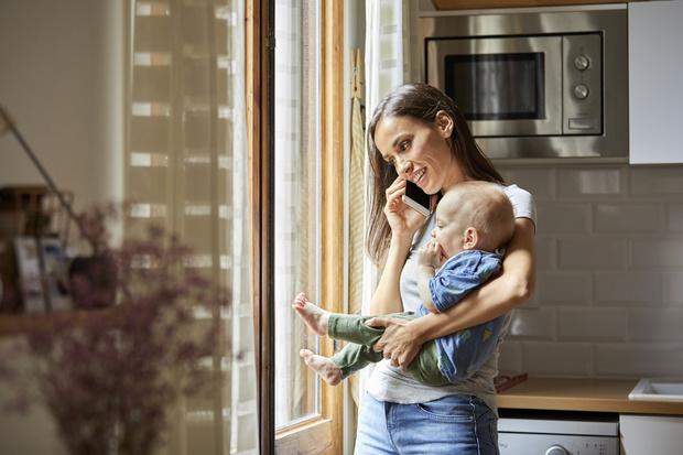 Фото №1 - 6 вещей, которые мама не должна делать при детях