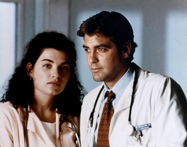 Фото №2 - Топ самых сексуальных докторов за всю историю сериалов