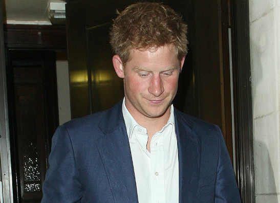 Фото №1 - Королевская семья в шоке от выходки принца Гарри