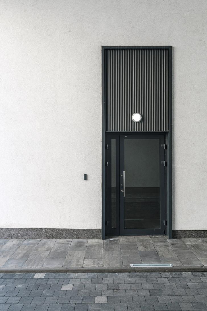 Фото №14 - Жемчужно-серый офис в историческом здании Петербурга