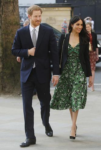 Фото №5 - Новый выход принца Гарри и Меган Маркл (и она повторяется в нарядах)