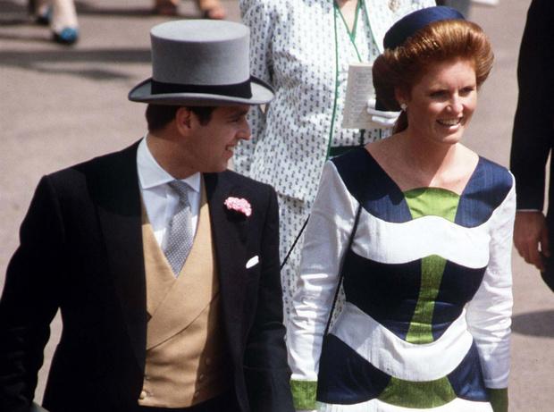 Фото №1 - Роковая неловкость: какой была первая встреча принца Эндрю и Сары Фергюсон