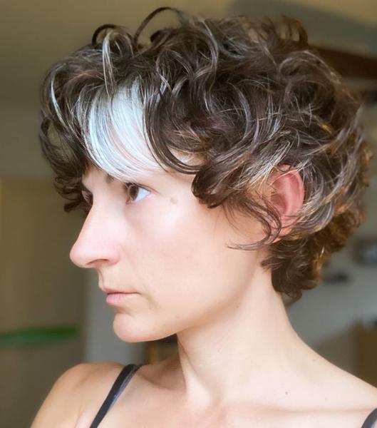 Фото №15 - Короче! 80 стильных стрижек для тех, кому надоели длинные волосы