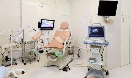 """Фото №1 - Клиника """"Долголетие"""": новое направление в лечении заболеваний шейки матки"""