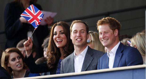 Фото №4 - Как Кейт пыталась помирить Уильяма и Гарри (и почему у нее ничего не вышло)