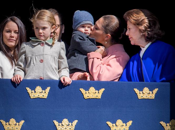 Фото №30 - Принц Оскар: два года в фотографиях