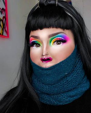 Фото №1 - Микролица: почему губы на носу стали новым бьюти-трендом