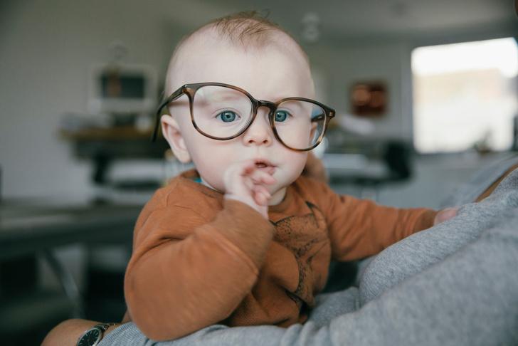 Фото №1 - Когда ребенок начинает видеть: 5 этапов развития зрения у грудничков