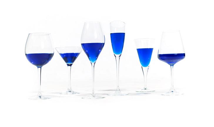 Фото №1 - В Испании создали голубое вино