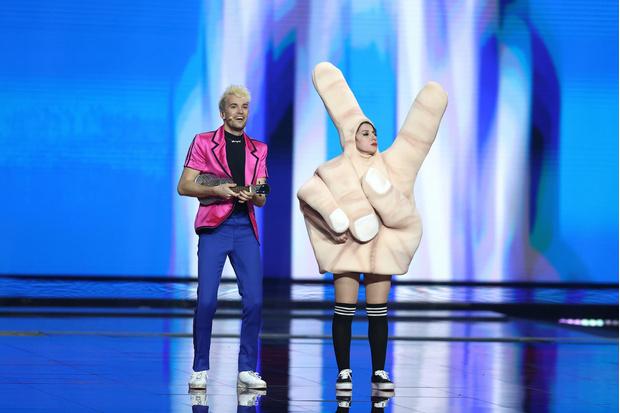 Фото №1 - Леди Гага, танцы на крыше и месть: чем запомнилось Евровидение-2021