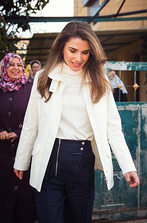 Фото №2 - Как королева Рания выбирает наряды (и почему она так редко говорит о моде)