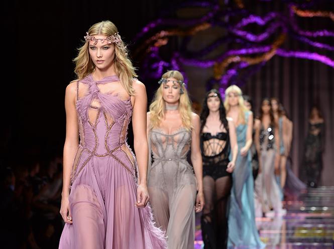 Фото №58 - Неделя Высокой Моды в Париже: Atelier Versace FW2015/16
